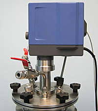 Крепление мешалки на лабораторном реакторе