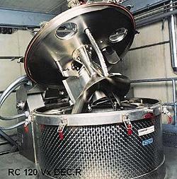 Автоматическое открывание крышки на фильтрующей центрифуге