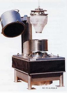 Снятие вехнего корпуса центрифуги для проверки чистоты